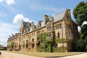 Yes, the term revolves around Oxford University